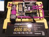 再攀巅峰 DDR4 4500MHz!