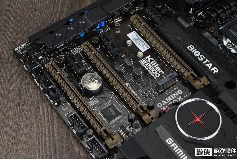 映泰GAMING Z170X主板扩展插槽