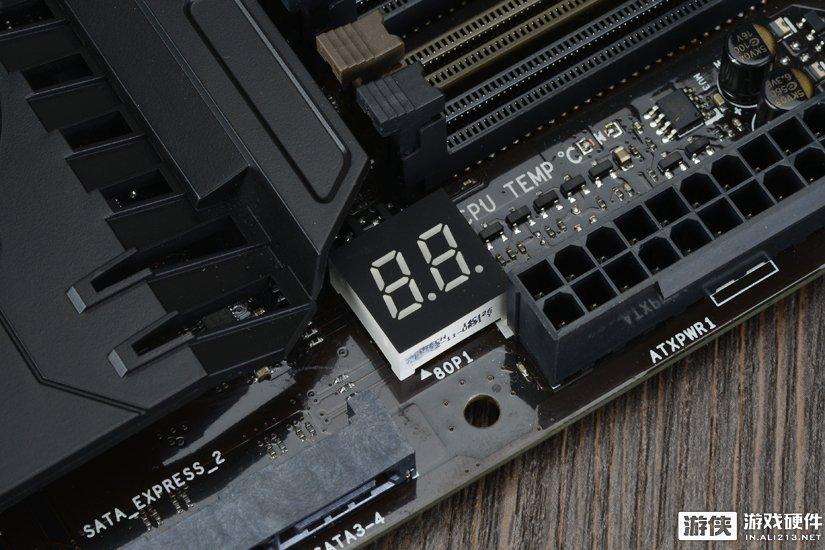 映泰GAMING Z170X主板板载Debug灯