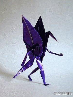 有腿的千纸鹤无缝cos奔跑中的人类