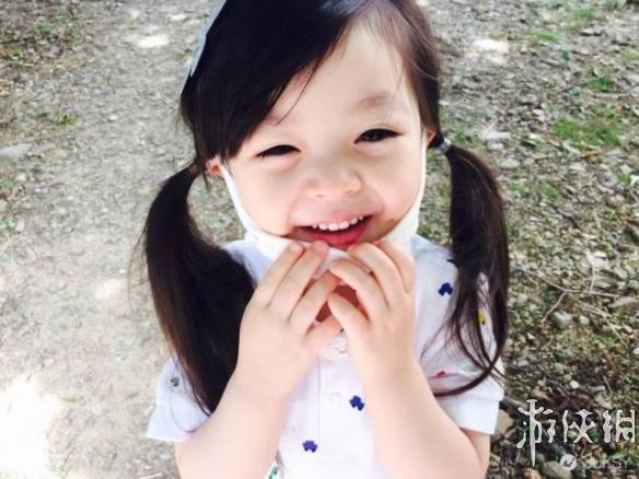 混血女娃jae天使笑容萌翻亚洲