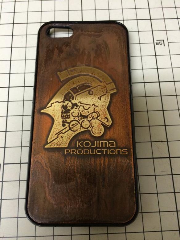 小岛秀夫推工作室logo手机壳:木质纹理