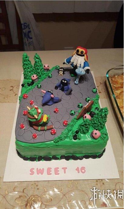 英雄联盟礼物池_国外16岁女玩家生日礼物:母亲特制《英雄联盟》蛋糕
