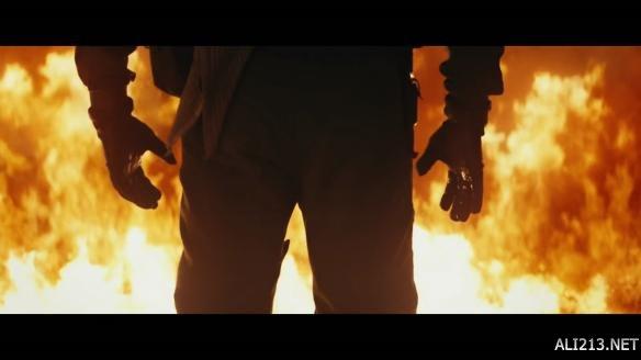 《金刚:骷髅岛》首曝预告 尸骨遍地超大金刚惊鸿一瞥