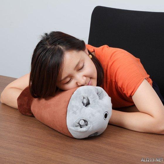 万代推出还原高达系列中龟霸腕枕 睡到地老天荒!