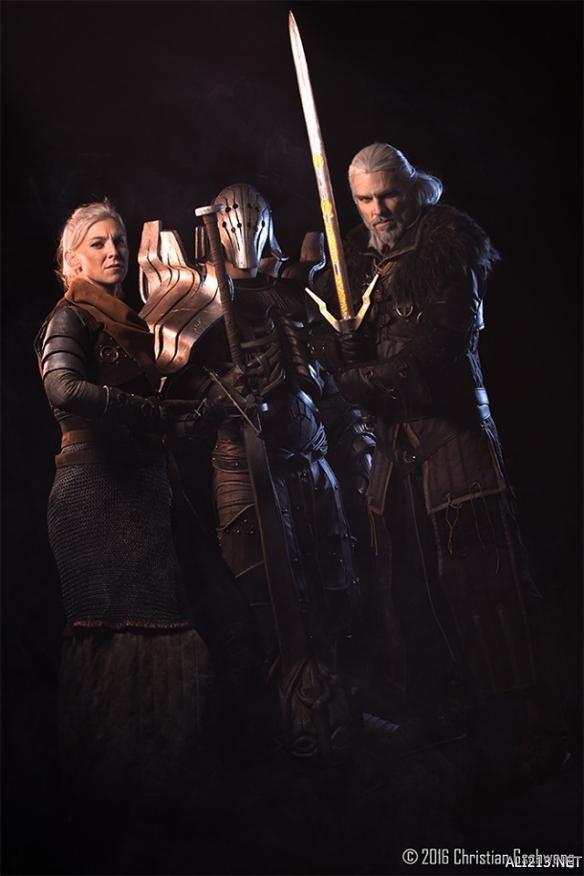 """《巫师》主角""""大合照"""" 神还原COS更像游戏截图!"""