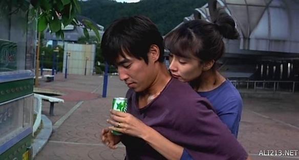 《甜性涩爱》作为一部定级为18岁以上观众方可观看的影片,在韩国