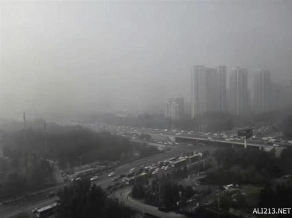 北京雾霾有多重?飞机降落3次失败