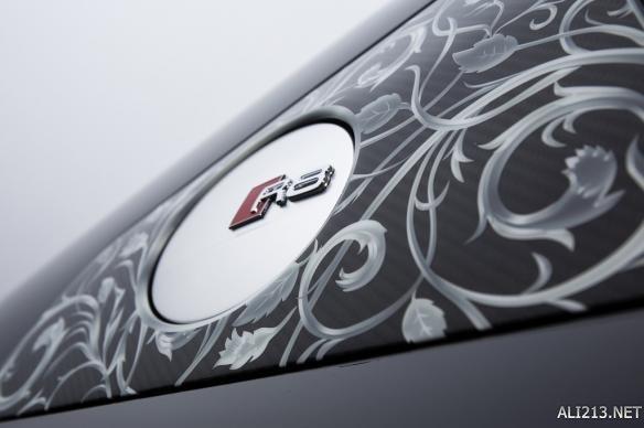 《FF15》定制版奥迪R8公布售价 史上最贵游戏周边! 游戏 第4张