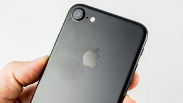 圣诞节礼物?iPhone7 依然是消费者最想要的东西