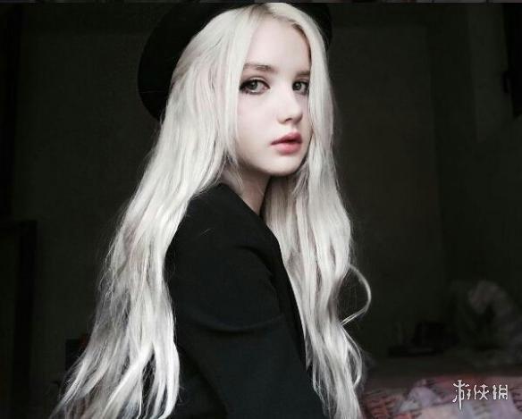 真人版北欧神话里的冰雪精灵!混血女孩美得惊为天人