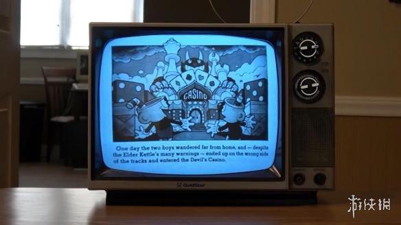 用黑白电视机玩《茶杯头》!雪花闪烁时代感超强!