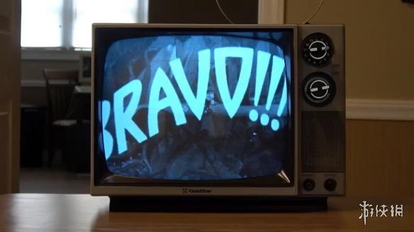 油管频道Lazy Game Reviews找来了一台显像管电视机,感叹于过去产品的良好质量,还能够正常显示。而《茶杯头》的画风所处的30年代,也是美国黑白电视兴起的时代,而游戏过程中屏幕上闪烁的雪花,让人分不清到底是游戏本身的效果,还是老电视本身的闪烁,恍惚之间就像穿越回了七八十年之前,时代感超强!   高清视频画面: