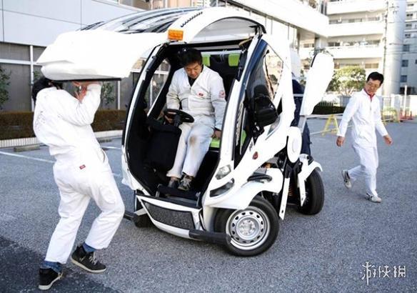 《机动战士高达》设计者打造变形汽车 就像操控机器人