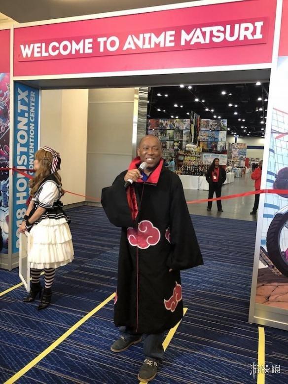 美国黑人市长COS宇智波鼬 这画风真的是一言难尽!