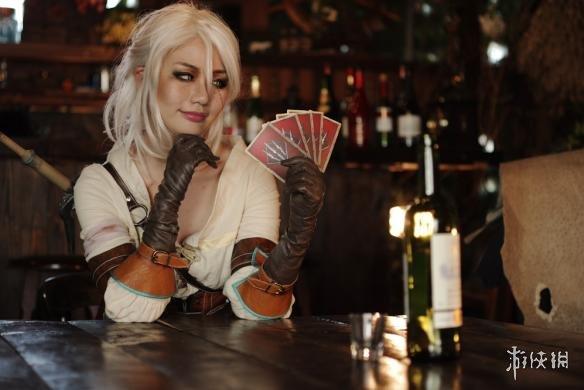 俄罗斯美女cos《巫师3》希里风格多变戏精天赋满满