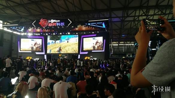 CJ2018:荒野行动大赛燃爆CJ 顺网展台人浪欢呼不停歇