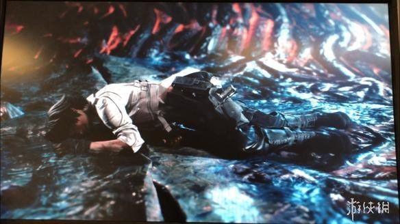 《鬼泣5》崔西蕾蒂画面泄露 侧倒在地造型依旧性感!