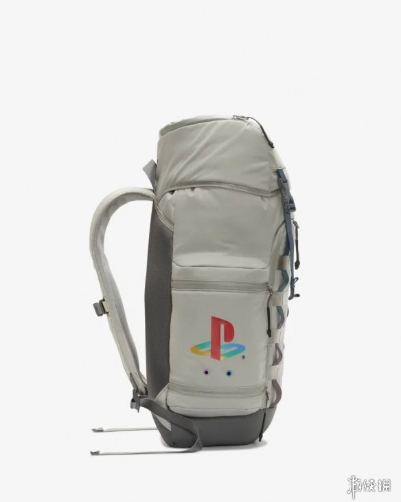 NIKE索尼合作推出双肩背包 还原经典PS1主机