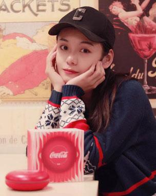 演员王子彤牵手若琪可口可乐联名限量款音箱