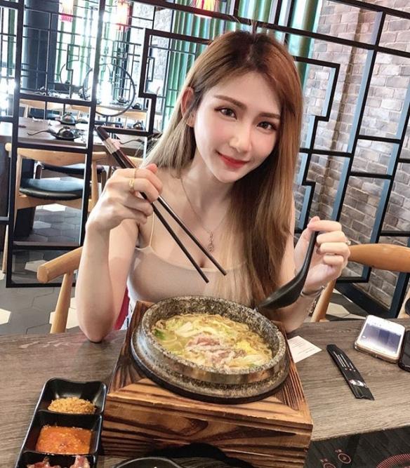 标准人妻!马来西亚网红josephy_li大秀身材美图赏!