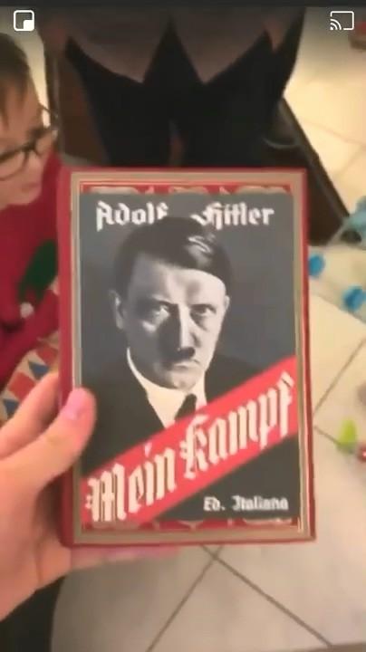 孙子想要《我的世界》 爷爷听错送了《希特勒自传》