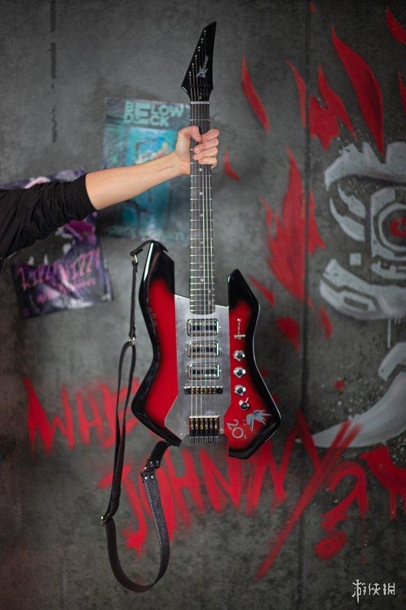 我酸了!CDPR展示员工周年礼物 基努里维斯签名吉他