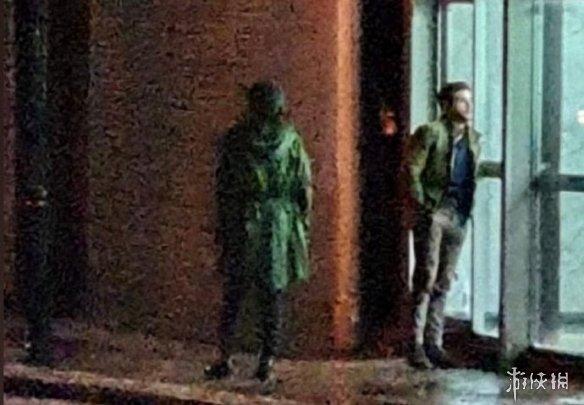 漫威《永恒族》曝全新片场照 瑟西、黑骑士举止亲密