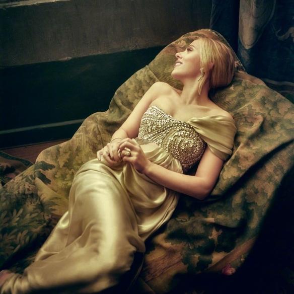 奥斯卡《名利场》心动女神!美人榻上寡姐宛如维纳斯