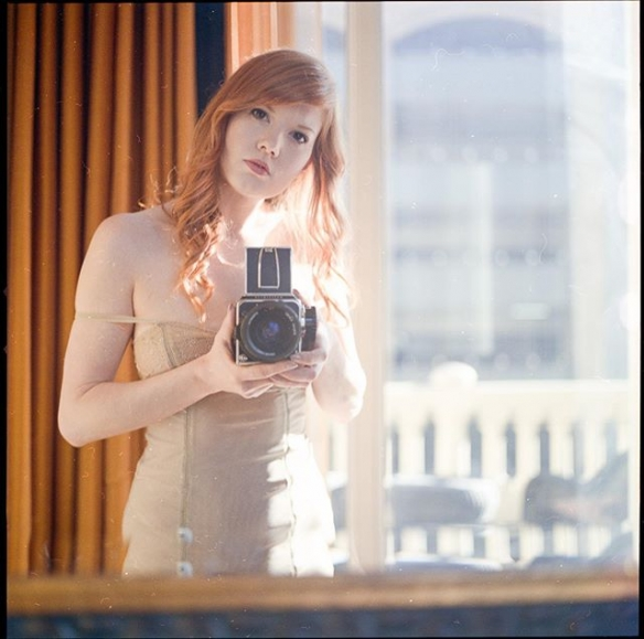 胸前软肉Q弹白皙!肉感异国美女模特Amber福利美照