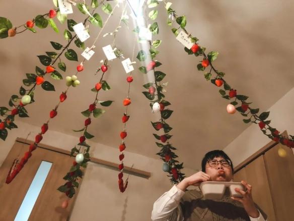 """疫情之下的草莓成熟季 日本网友在家里""""摘草莓""""!"""