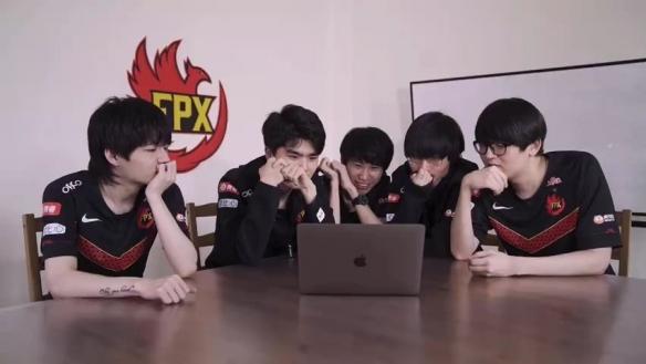 《LOL》FPX冠军皮肤幕后预告片 凤凰涅槃冲上天际!