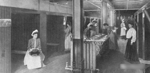 19世纪欧洲的女厕所竟是这样的!18张罕见的历史照片