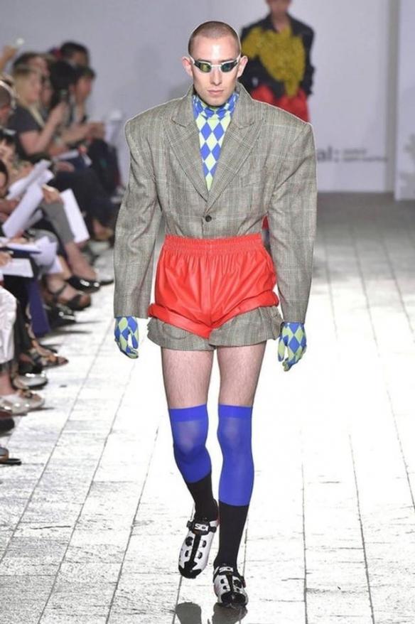 正常人有点欣赏不来!28个令人窒息的奇葩时尚设