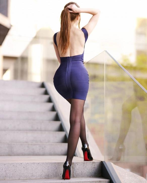 腿控必备!极品黑丝美腿 波兰模特Ariadna性感美图集