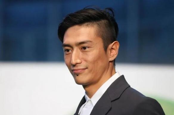 日本著名男星吸毒被捕!曾家暴长泽雅美堪称极品渣男