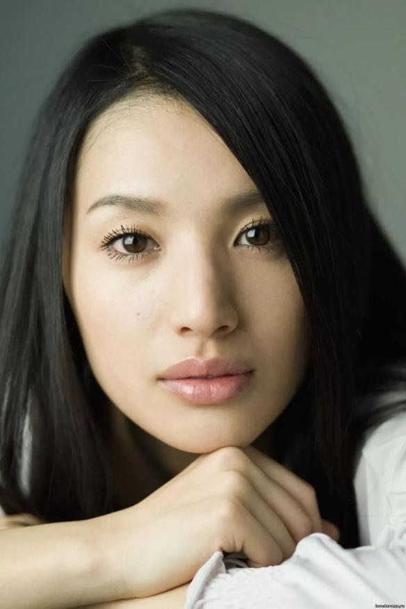 日本女演员芦名星在家中去世:年仅36岁!死因调查中