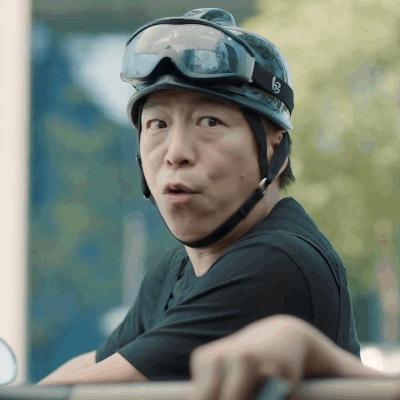黄渤主演情义大片上映 同款摩托带兄弟冲大话新