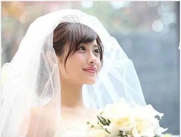 最后的希望!石原里美宣布结婚后新垣结衣被顶上热搜