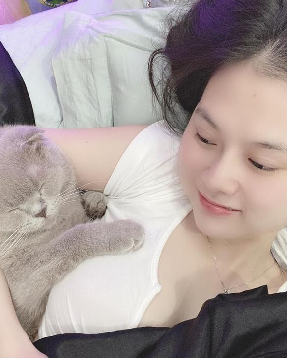超有料九头身美不胜收!越南美女主播ArBi海量美照赏