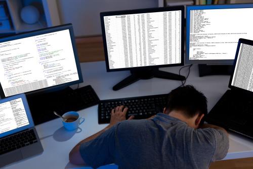 35岁程序员职业选择引热议!阿里CEO张勇:120%支持