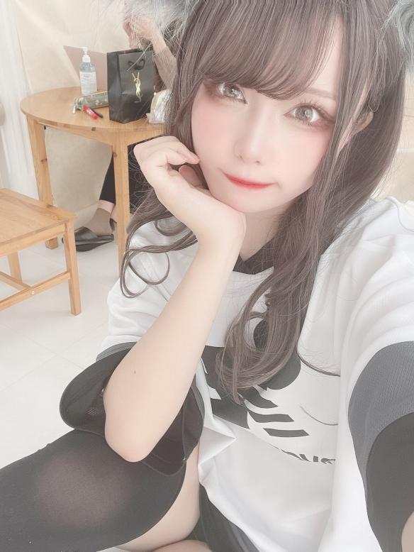 脸蛋精致身材曲线火辣!11区美少女coser mona图赏