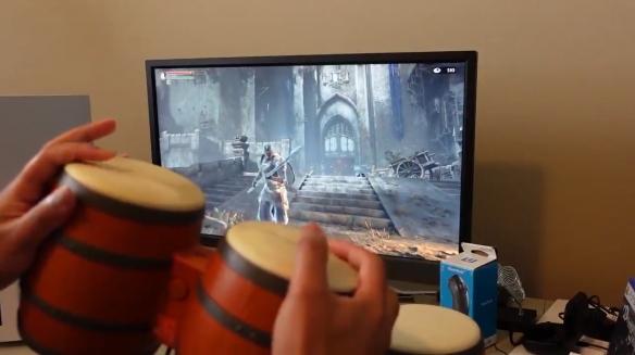 国外玩家用大金刚邦戈鼓当手柄玩《恶魔之魂》!