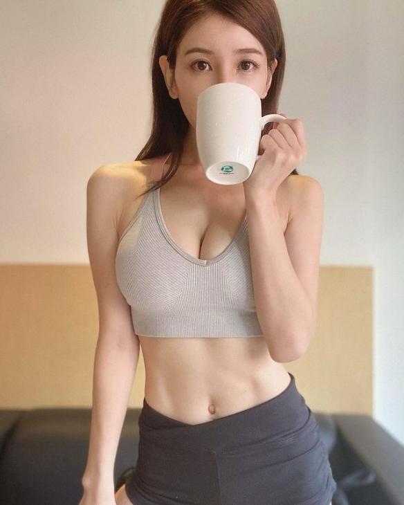 写真女星完美转行健身教练!知性美人亚里沙美图集!