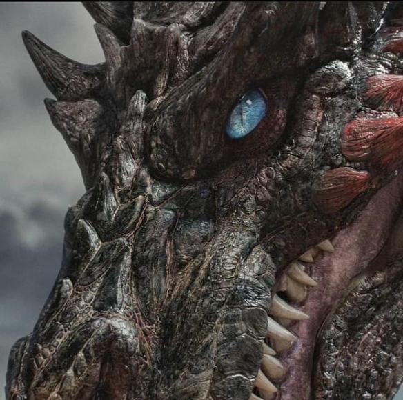 《权力的游戏》前传曝概念图 凶悍恐怖的巨大龙首!