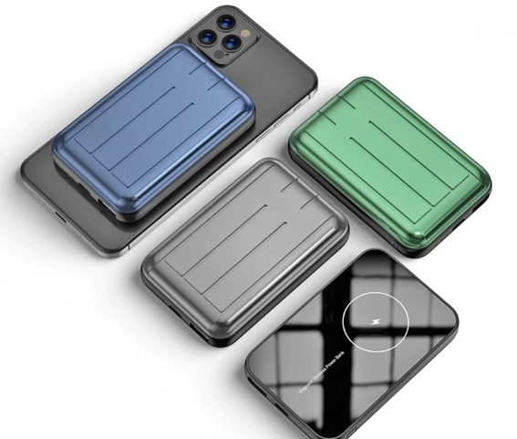 iPhone 12首款MagSafe无线充电宝发售 三种配色可选