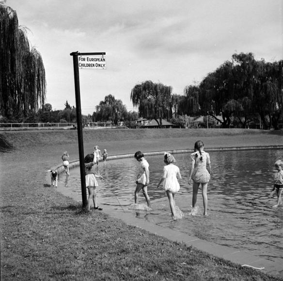 白人的黑历史!历史照片记录臭名昭著的南非种族隔离