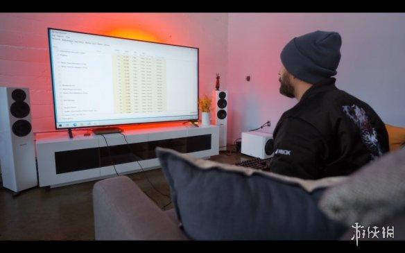 雅达利VCS主机运行《赛博朋克2077》! 可以人眼数帧