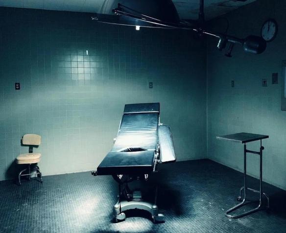 温子仁新片《恶性》被评为R级 画面惊悚暴力和恐怖!