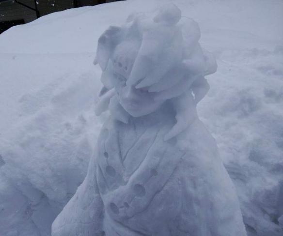 """雪人版的胖虎!岛国堆雪人职人""""一人雪人祭典""""作品"""